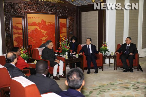 L'engagement chinois en matière d'objectifs de réduction des émissions de CO2 est 'sérieux et formel', a déclaré vendredi le Premier ministre chinois Wen Jiabao.